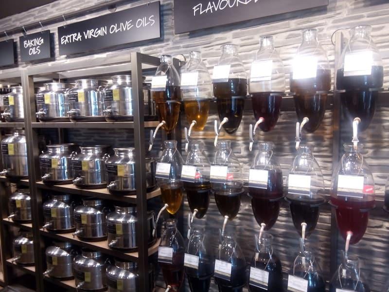 Refillable bulk oil and vinegar Bruges