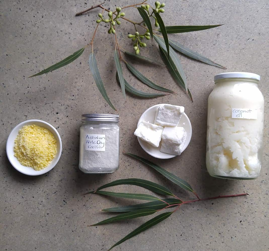 Ingredients for making bicarb-free deodorant (for sensitive skin).
