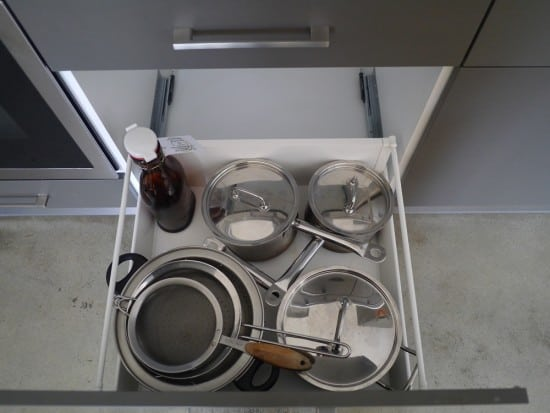 saucepans-hoarder-minimalist-treading-my-own-path