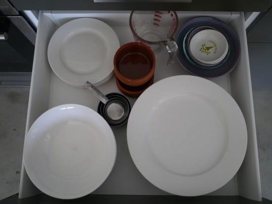 crockery-drawer-hoarder-minimalist-treading-my-own-path