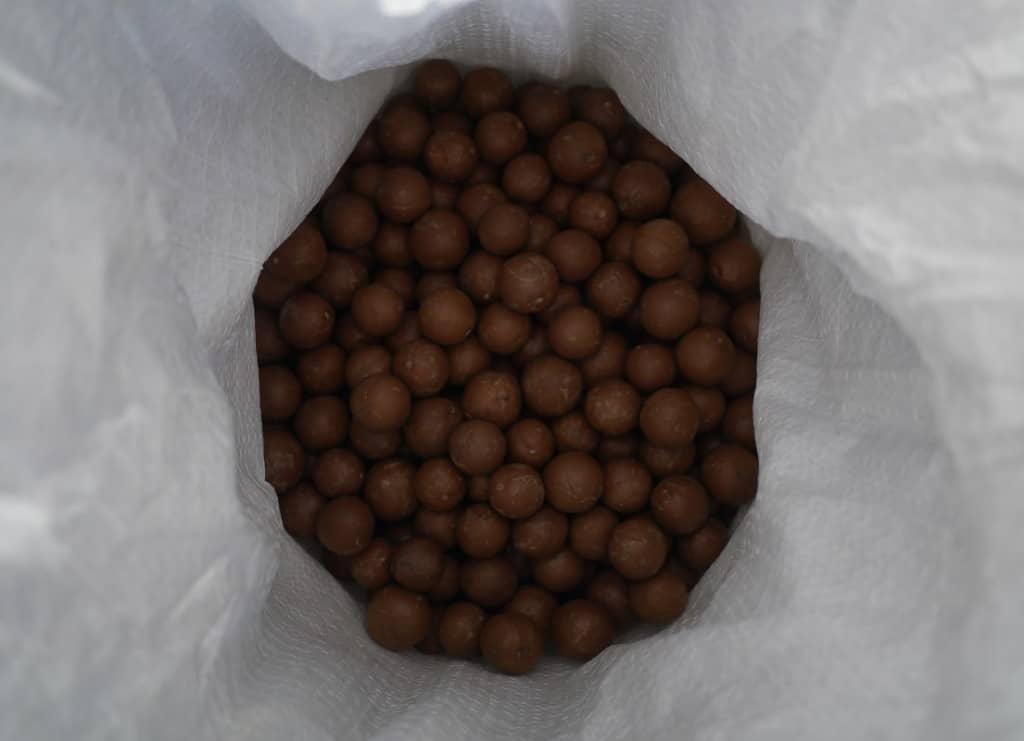 Bulk macadamias