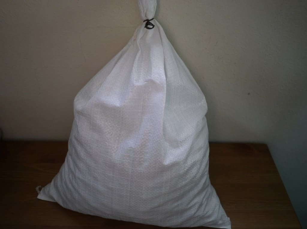 Bulk macadamias returnable sack