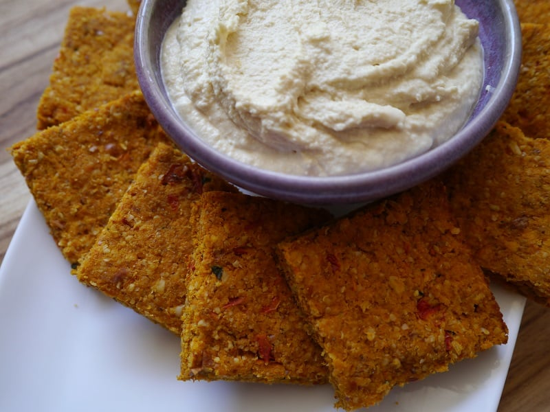 Carrot pulp crackers with hummus