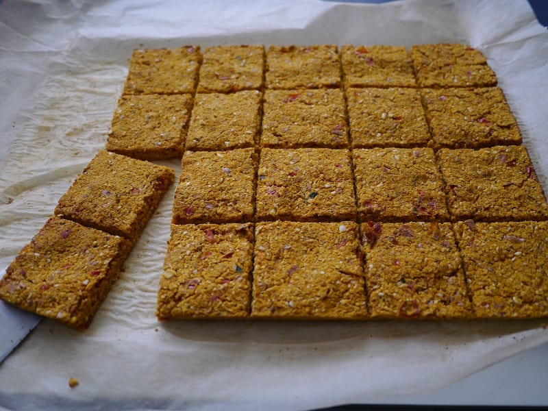 carrot pulp crackers baked once