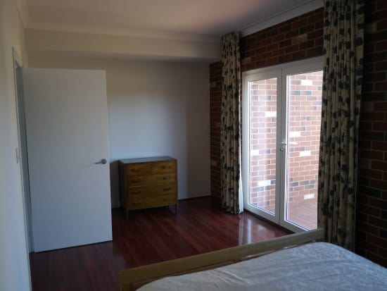 bedroom-hoarder-minimalist-treading-my-own-path