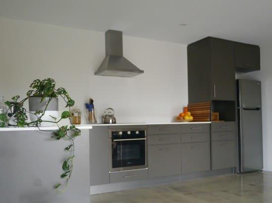 kitchen-counter-hoarder-minimalist-treading-my-own-path