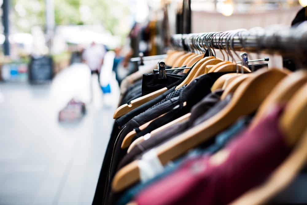 The Non-Fashionista's Guide to Beginning a Capsule Wardrobe